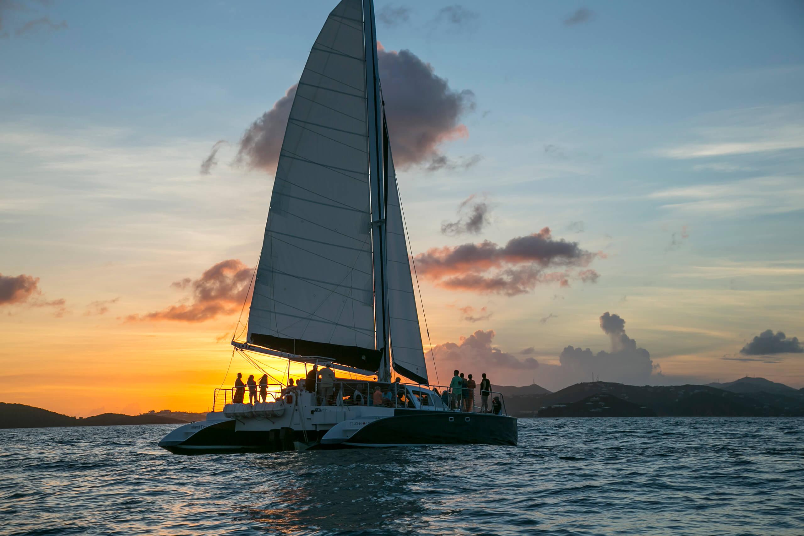 <span>Dinner</span> Sail